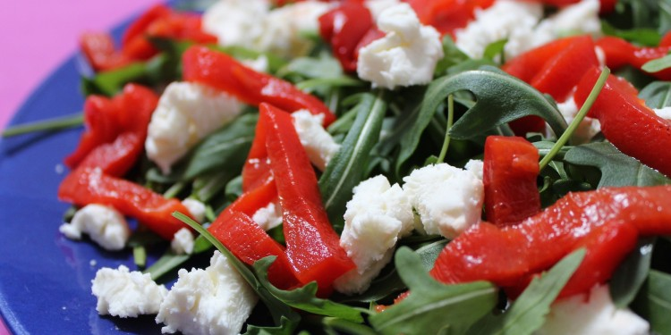 Rocket with goat cheese