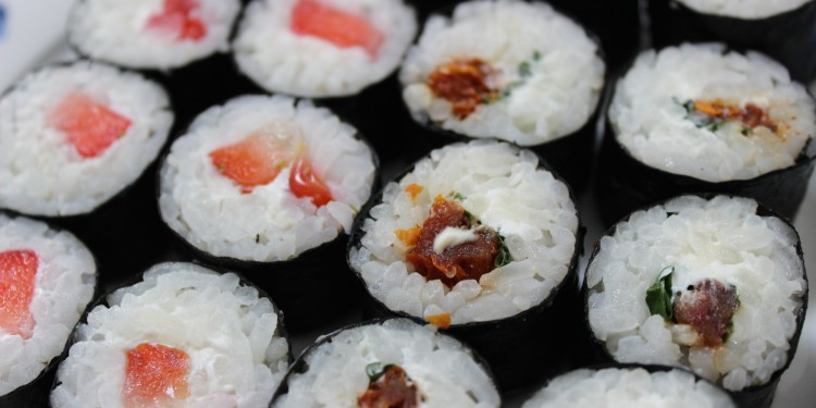 Sushi with sun-dried tomatoes